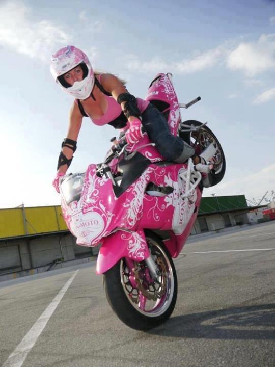 Stunt girls - Kawasaki Z125 Forum